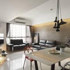 質樸中透出內斂的時尚:  客廳 by 禾光室內裝修設計 ─ Her Guang Design