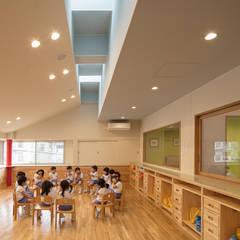 願正会鶴見学園保育園: 乗松得博設計事務所が手掛けた子供部屋です。