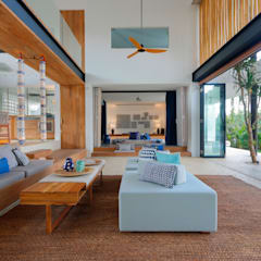 Seascape Living Room :  Media room by Word of Mouth House