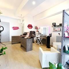 Dakini Makeup Store -  Rimini: Negozi & Locali commerciali in stile  di Unica by Cantoni