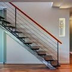 Casa n. 3: Scale in stile  di Rossi Design