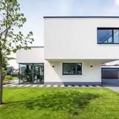 Casa n. 3: Case in stile  di Rossi Design