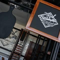 Mobiliario para cafetería   Decoración para cafetería   Diseño de cafeterías: Restaurantes de estilo  por DISEÑO DE BARES Y RESTAURANTES B&Ö  Arquitectura, decoración, diseño de interiores y Muebles