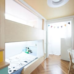 Teen bedroom by 더디자인 the dsgn