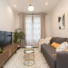 Salón: Salones de estilo  de Become a Home