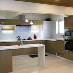 Kitchen:  Built-in kitchens by Fuze Interiors