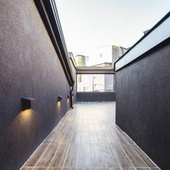 Darth Vader: AAPA건축사사무소의  베란다,모던