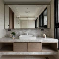 簡‧形體:  浴室 by 橙羿設計有限公司