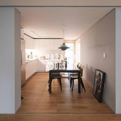 잠원동 50평 인테리어: 바라봄디자인의  다이닝 룸
