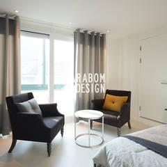 역삼동 빌라 30평 인테리어: 바라봄디자인의  침실