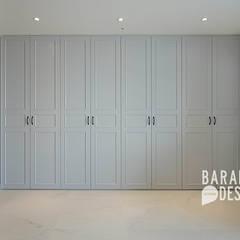 삼성동 아이파크 59평: 바라봄디자인의  드레스 룸