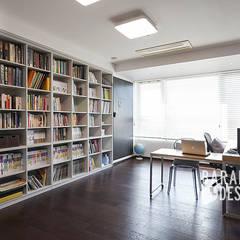 삼성동 아이파크 59평: 바라봄디자인의  서재 & 사무실