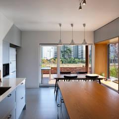 modern Kitchen by (주)하우스스타일