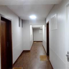 couloir : Locaux commerciaux & Magasins de style  par Desjoconception