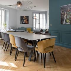 Macha's House: Salle à manger de style  par Rénow