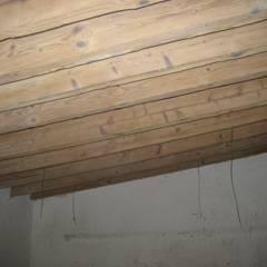Camera: Camera da letto in stile  di studio arch sara baggio