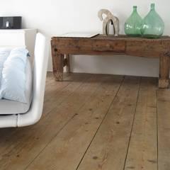 Casa Olmo: Camera da letto in stile  di studio arch sara baggio