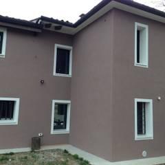 Cappotto lato nord: Casa unifamiliare in stile  di studio arch sara baggio