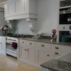 Showroom: country Kitchen by Willow Tree Interiors