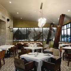 ENYA RESTAURANTE: Restaurantes de estilo  por AT ZTUDIO