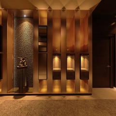 Vivaldi Mont Kiara:  Corridor & hallway by Norm designhaus, Modern