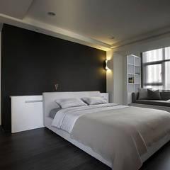 Schlafzimmer von 台中室內設計-築采設計
