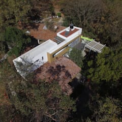 Fotografía aérea: Casas prefabricadas de estilo  por BIM Arquitectos S.A. de C.V.