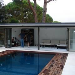 หลังคาในสวน by Imma Carner Arquitectura Interior