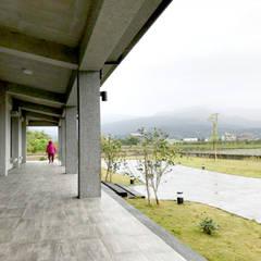 宜蘭 三星 別墅 農舍 建物廊道 設計:  禪風庭院 by 艾莉森 空間設計
