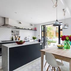 Kitchen units by VORBILD Architecture Ltd.