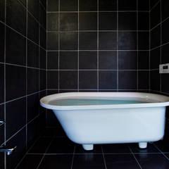 浴室: 一級建築士事務所 Coo Planningが手掛けた浴室です。