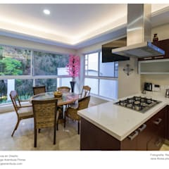 Cocina - Desayunador: Cocinas de estilo clásico por René Flores Photography