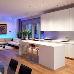 Soho Loft:  Kitchen by KUBE Architecture