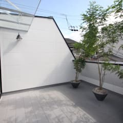Roof by 一級建築士事務所 Coo Planning, Minimalist Solid Wood Multicolored