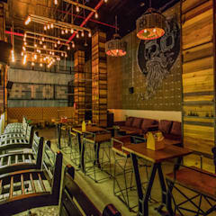 Bars & clubs by Studio Interiors Infra Height Pvt Ltd