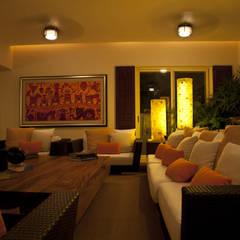 salon: Salones de estilo  de Mayúscula Arquitectos
