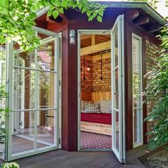 Cobertizos de estilo  por Lena Klanten Architektin