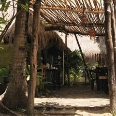 yaxchen . hotel holístico. tulum quintana roo .mx: Hoteles de estilo  por ciffiut
