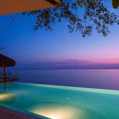 Infinity pool by foto de arquitectura, Tropical Tiles
