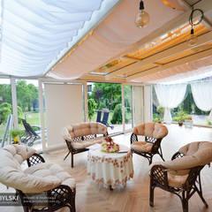 Wnętrze ogrodu zimowego: styl , w kategorii Ogród zimowy zaprojektowany przez P.W. Przybylski