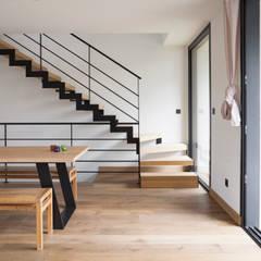 Maison Ossature Bois: Lieux d'événements de style  par C-tempo SAS