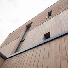 Maison bois: Lieux d'événements de style  par C-tempo SAS