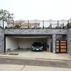 Garage/shed by 하우스톡