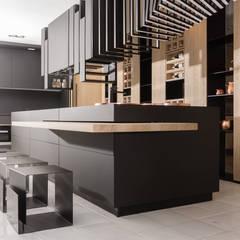 RAUVISIO brilliant mat - kolor Moro: styl , w kategorii Aneks kuchenny zaprojektowany przez REHAU Polska