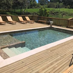 Garden Pool by Premier Pools S.A.S.