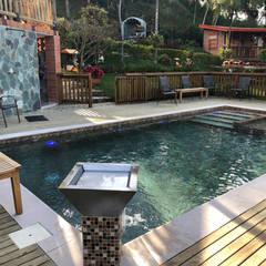 La Milagrosa - Guarne Antioquia: Piscinas de jardín de estilo  por Premier Pools S.A.S.