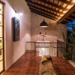 Hiên, sân thượng by Taller Estilo Arquitectura