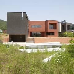 지산발트 하우스 지우: 인문학적인집짓기의  일세대용 주택,모던 벽돌