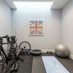 Basement Fitness Room: modern Gym by Hatch Construction Ltd