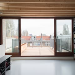 Huis Watergraafsmeer:  Terras door Unknown Architects